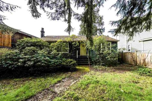 262281757 at 1131 West 21st Street, Pemberton Heights, North Vancouver