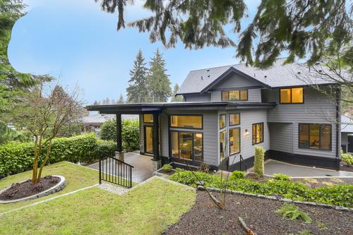 25_a at 4664 Highland Boulevard, Canyon Heights NV, North Vancouver