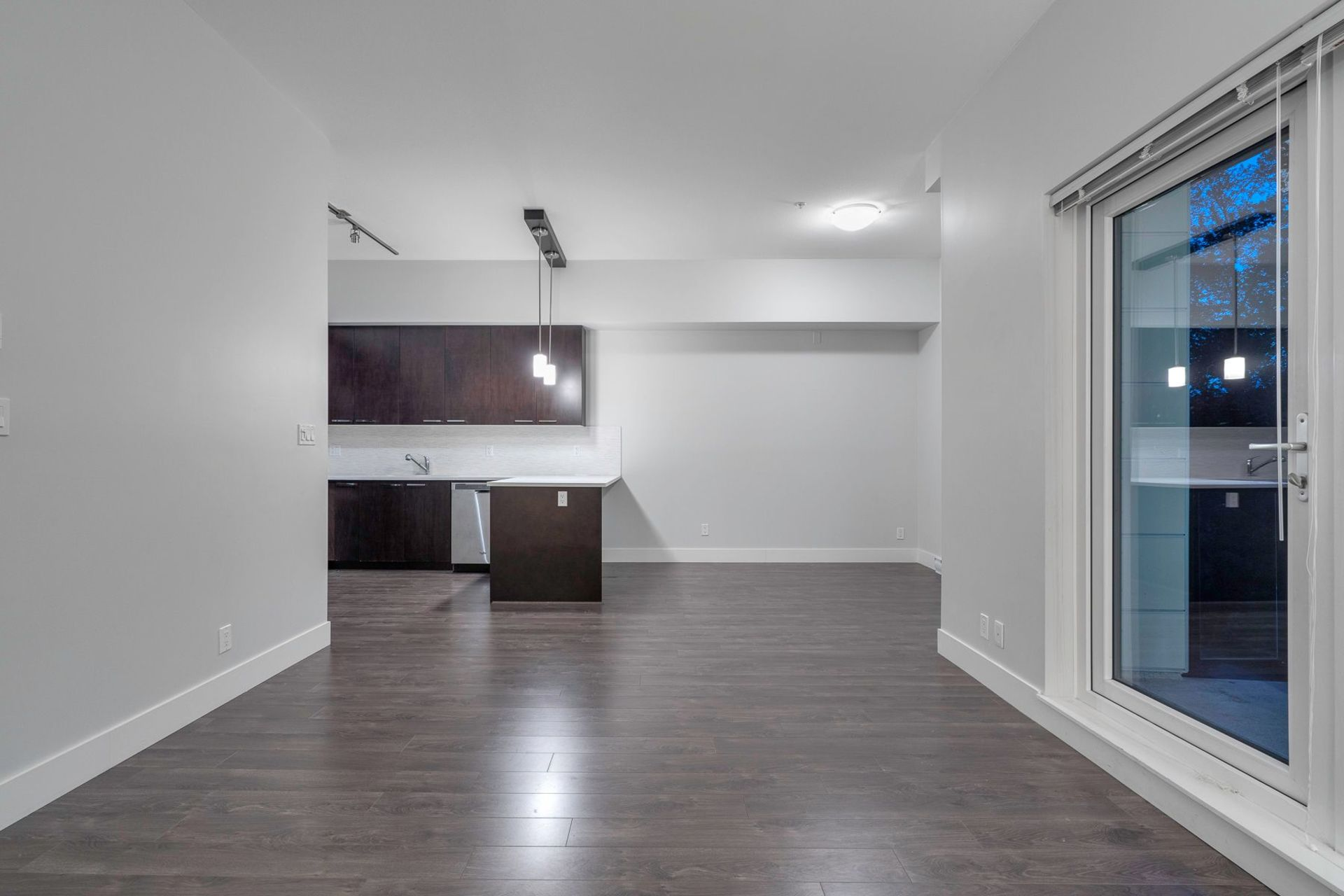 yfwmrzcw at 501 - 2362 Whyte Avenue, Central Pt Coquitlam, Port Coquitlam