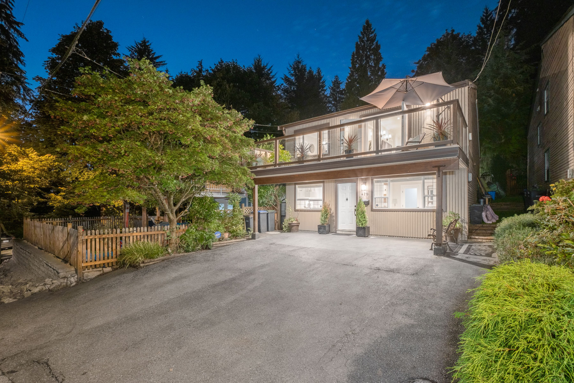 470 Beatrice Street Lane, North Shore Pt Moody, Port Moody