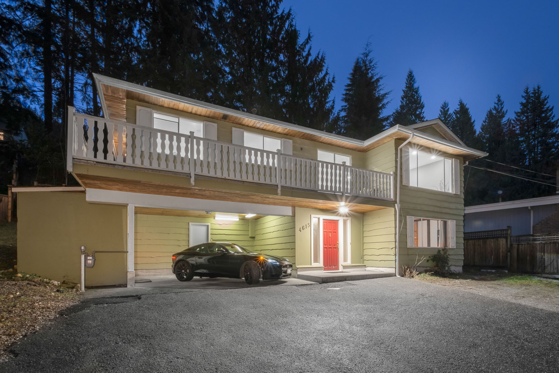 4615 Valley Road, Lynn Valley, North Vancouver