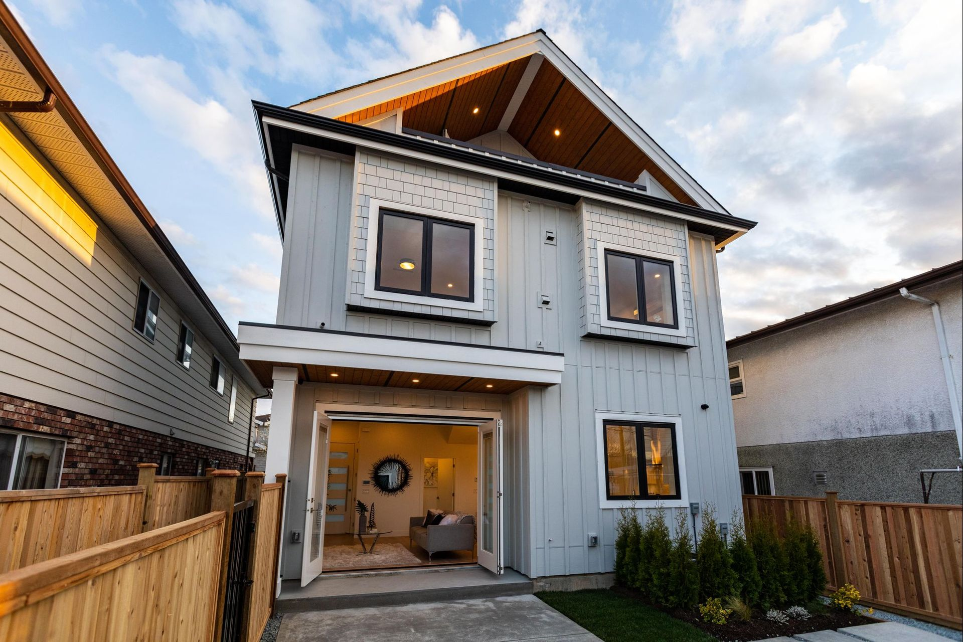 28 at 3439 E 24th Avenue, Renfrew Heights, Vancouver East