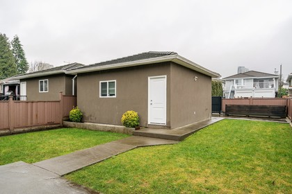 15a at 6109 Selma Avenue, Forest Glen BS, Burnaby South