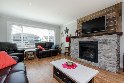 Spacious Living Room at 34943 Cassiar Avenue, Abbotsford East, Abbotsford