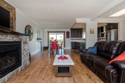 Open Concept Living at 34943 Cassiar Avenue, Abbotsford East, Abbotsford