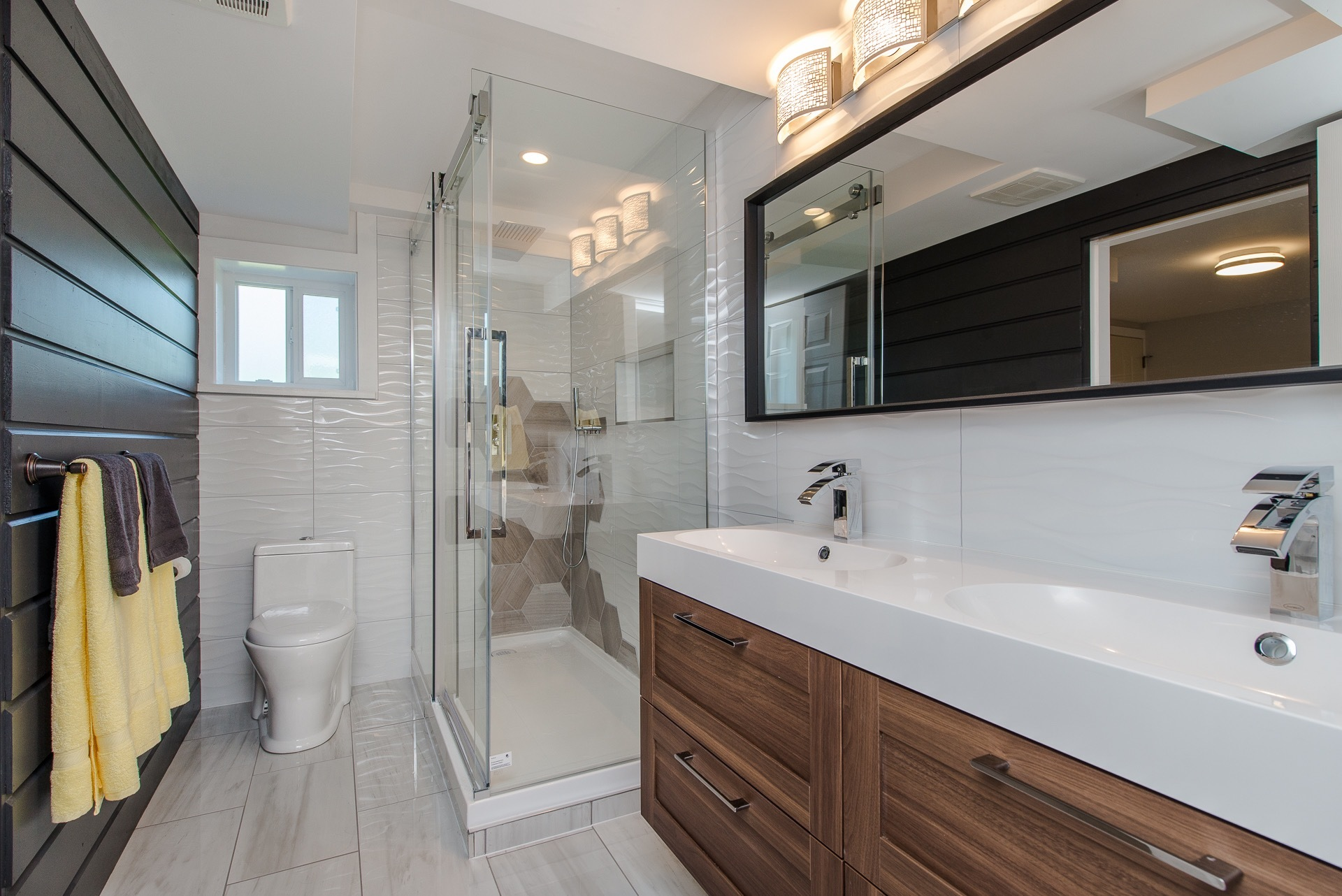 Bathroom at 34943 Cassiar Avenue, Abbotsford East, Abbotsford