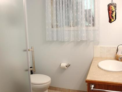 Bathroom at 114 Pineview Place, Wiltse/Valleyview, Penticton