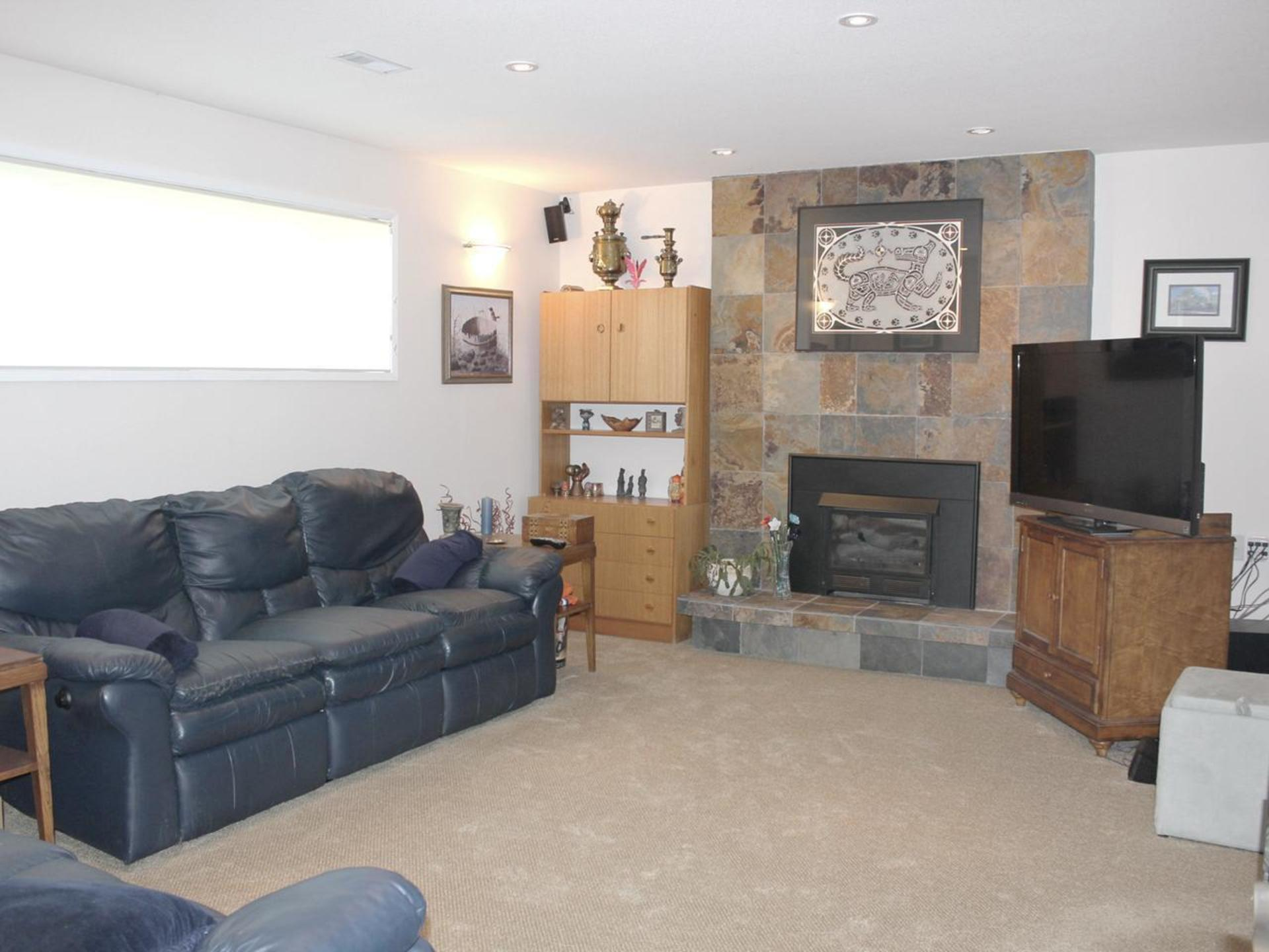 Large Family Room at 114 Pineview Place, Wiltse/Valleyview, Penticton