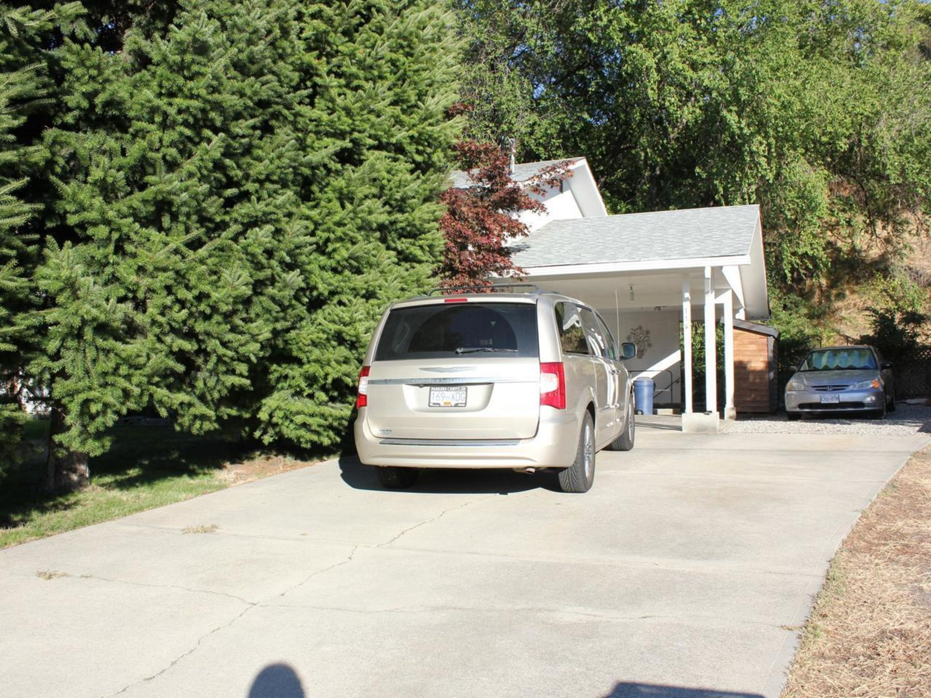 Front Driveway at 114 Pineview Place, Wiltse/Valleyview, Penticton