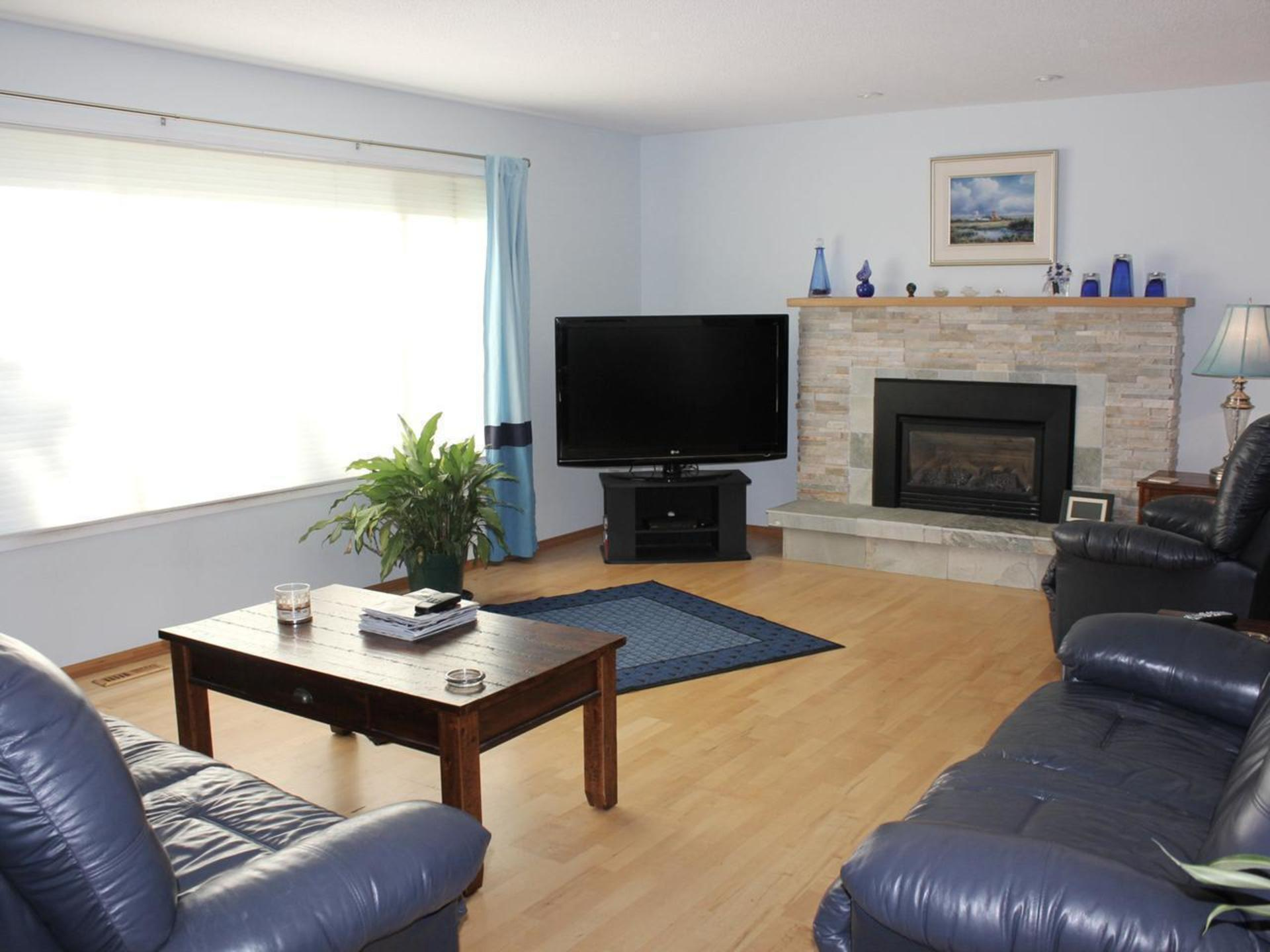 Spacious Living Room at 114 Pineview Place, Wiltse/Valleyview, Penticton