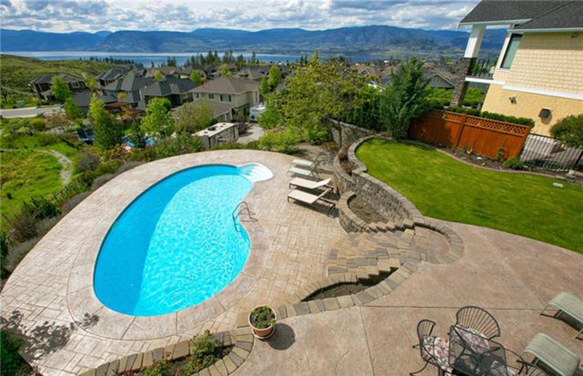 Kettle Valley Real Estate at 384 Rindle Court, Kelowna, Central Okanagan
