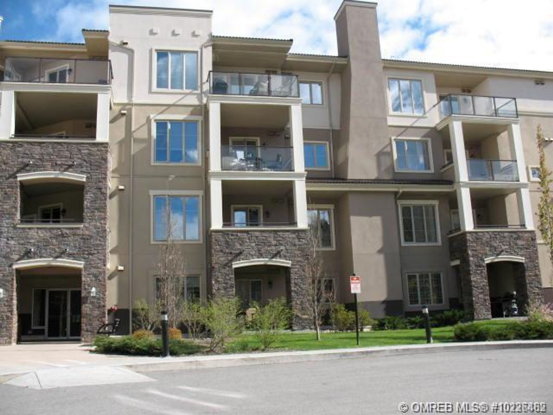 2103 - 1873 Country Club Drive, University District, Kelowna