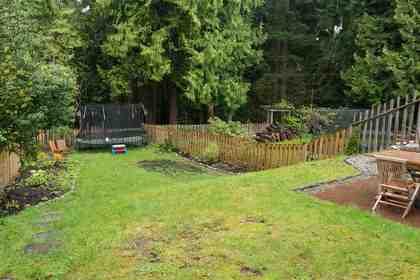 3954-sunnycrest-drive-forest-hills-nv-north-vancouver-20 at 3954 Sunnycrest Drive, Forest Hills NV, North Vancouver