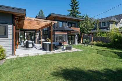915-kennedy-avenue-edgemont-north-vancouver-18 at 915 Kennedy Avenue, Edgemont, North Vancouver