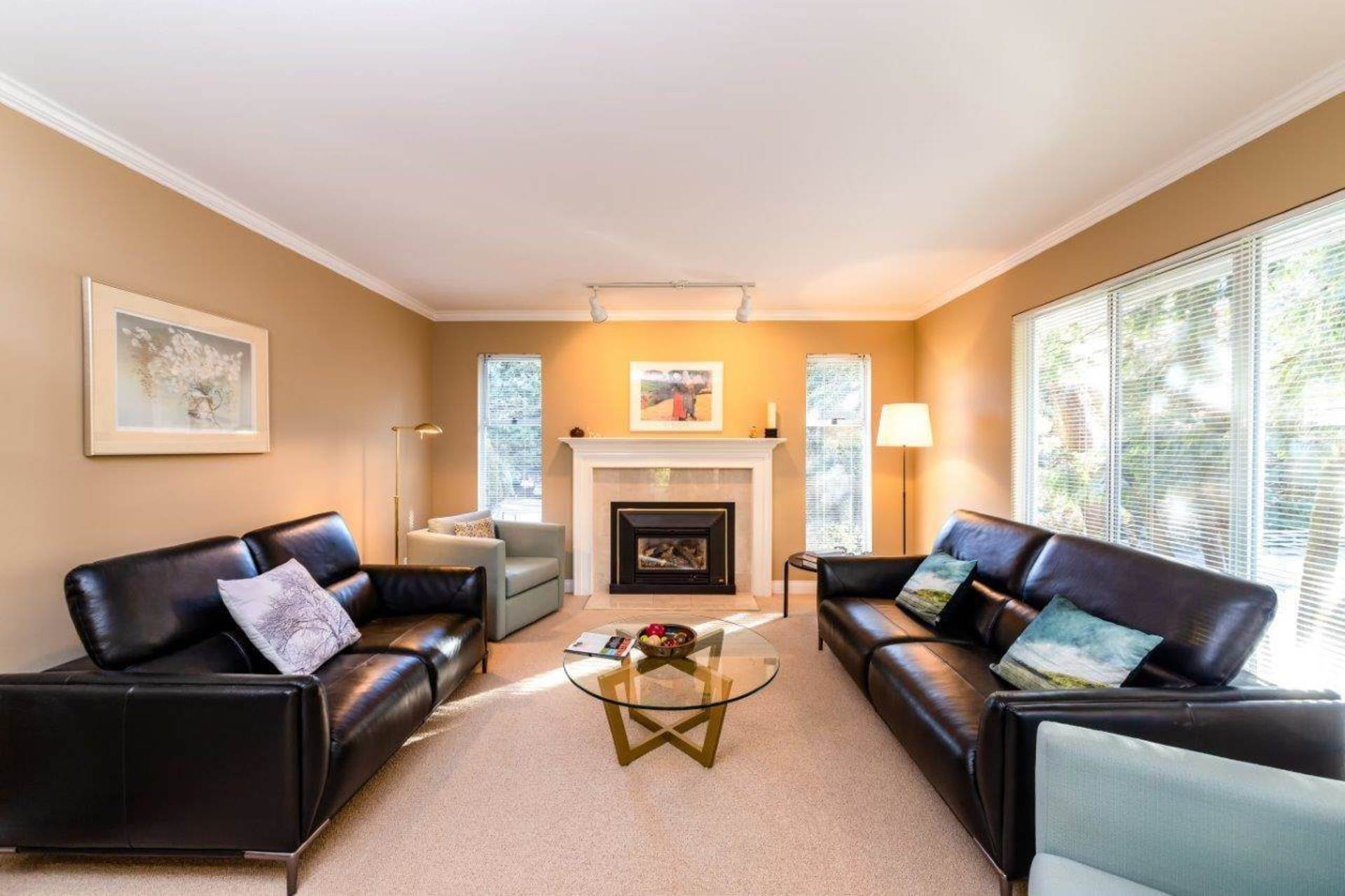 1006 Montroyal Boulevard, Canyon Heights NV, North Vancouver