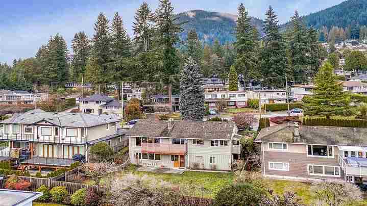 527-genoa-crescent-upper-delbrook-north-vancouver-04 at 527 Genoa Crescent, Upper Delbrook, North Vancouver