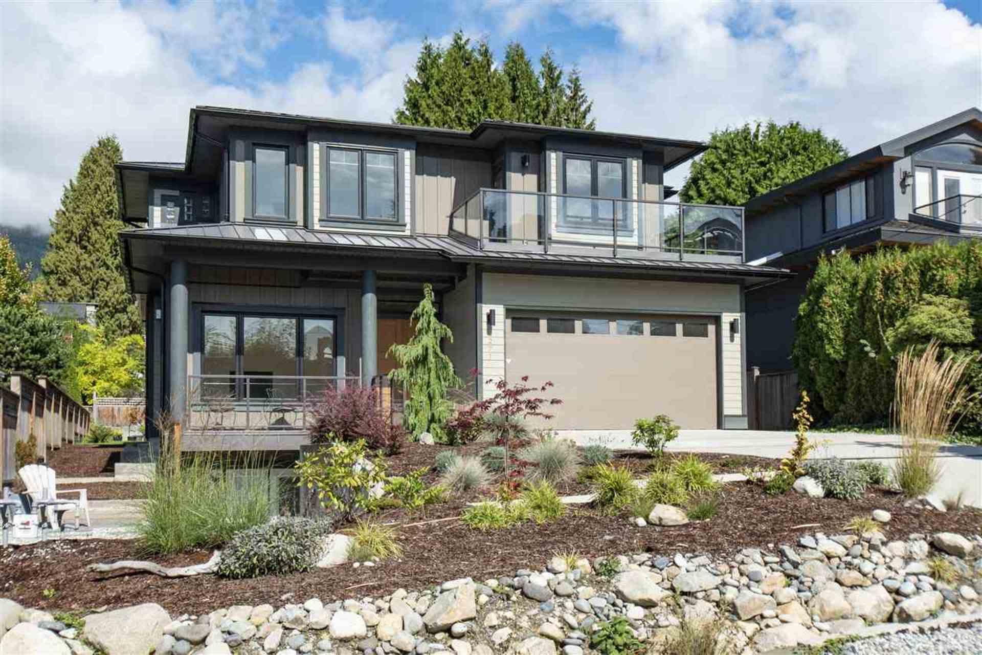 2271 Fulton Avenue, Dundarave, West Vancouver