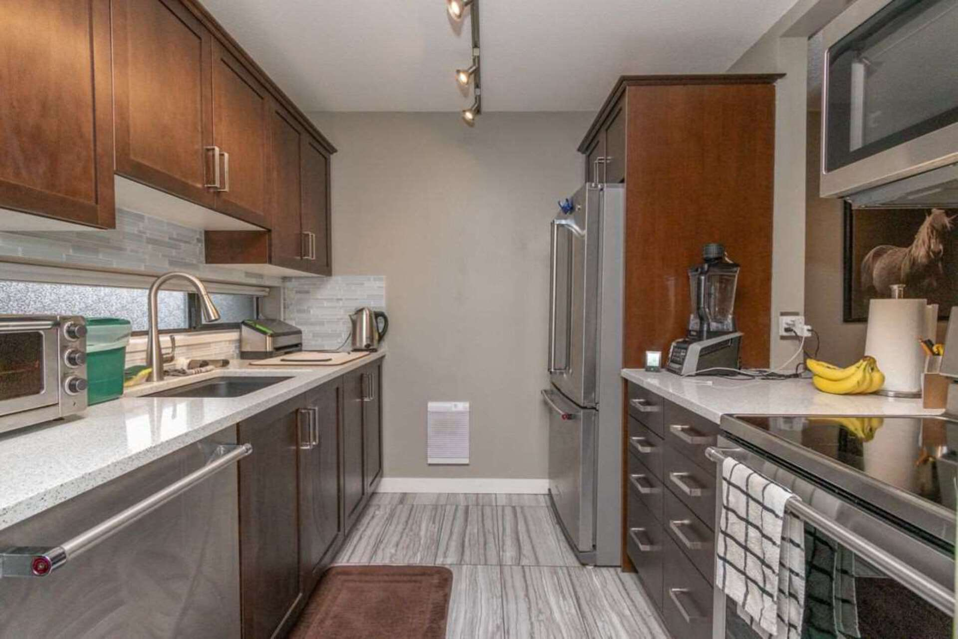 213 - 140 E 4th Street, Lower Lonsdale, North Vancouver