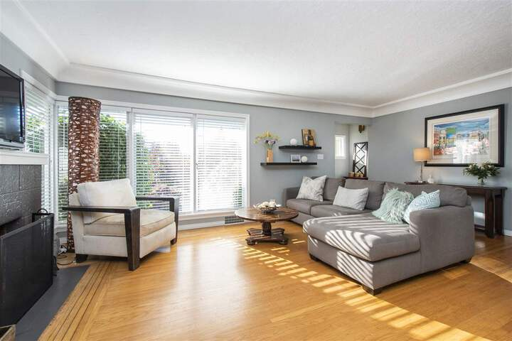 3380-edgemont-boulevard-edgemont-north-vancouver-05 at 3380 Edgemont Boulevard, Edgemont, North Vancouver
