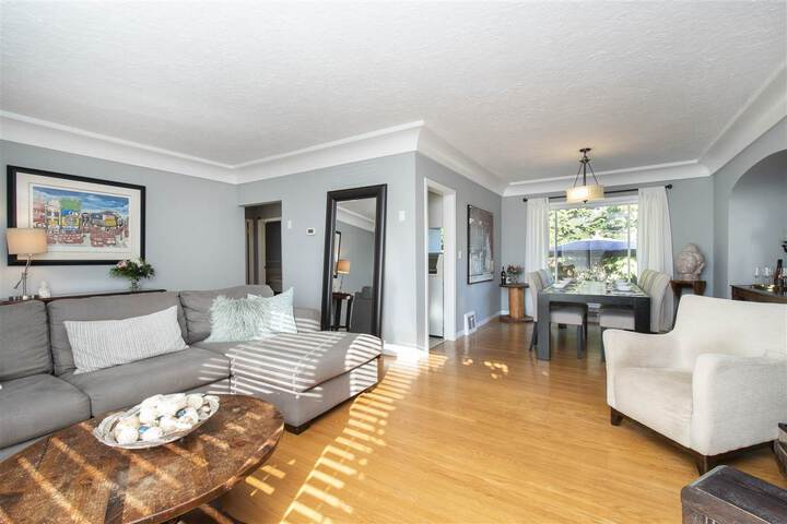 3380-edgemont-boulevard-edgemont-north-vancouver-06 at 3380 Edgemont Boulevard, Edgemont, North Vancouver