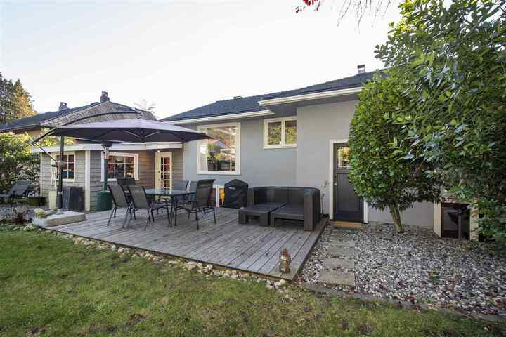 3380-edgemont-boulevard-edgemont-north-vancouver-25 at 3380 Edgemont Boulevard, Edgemont, North Vancouver
