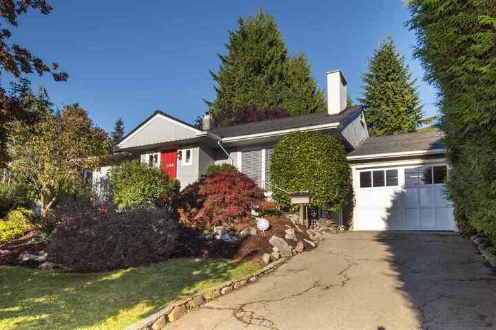 3380-edgemont-boulevard-edgemont-north-vancouver-30 at 3380 Edgemont Boulevard, Edgemont, North Vancouver