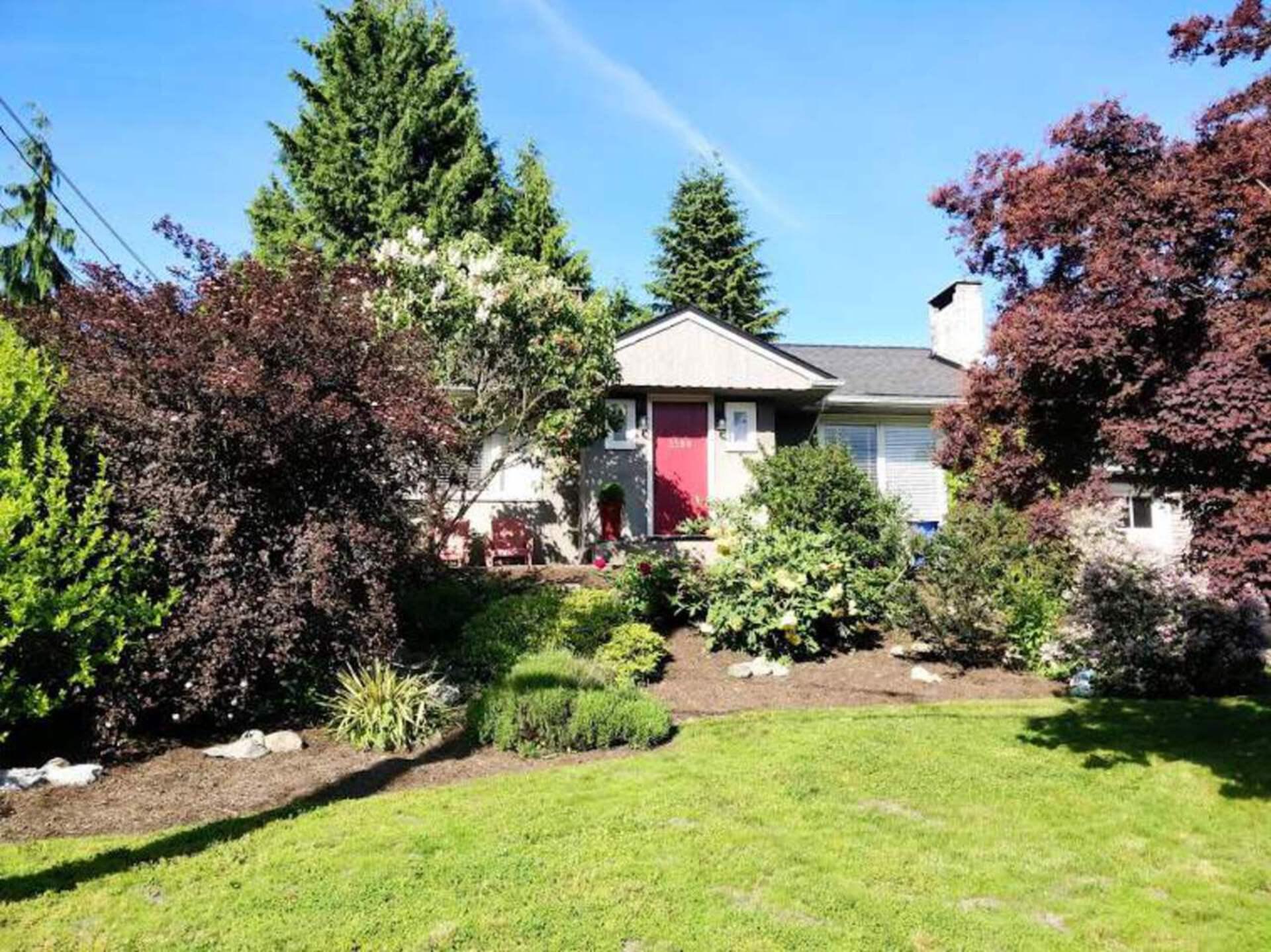 3380 Edgemont Boulevard, Edgemont, North Vancouver