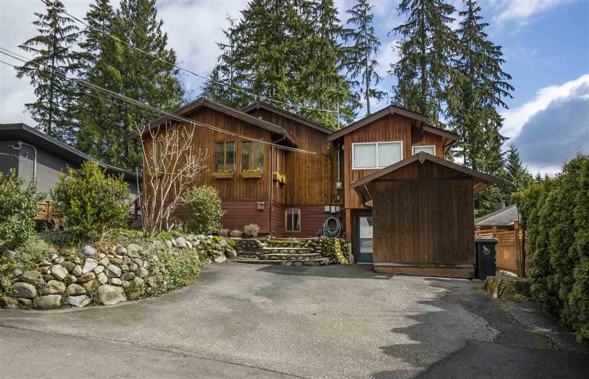 1918 Panorama Drive, Deep Cove, North Vancouver