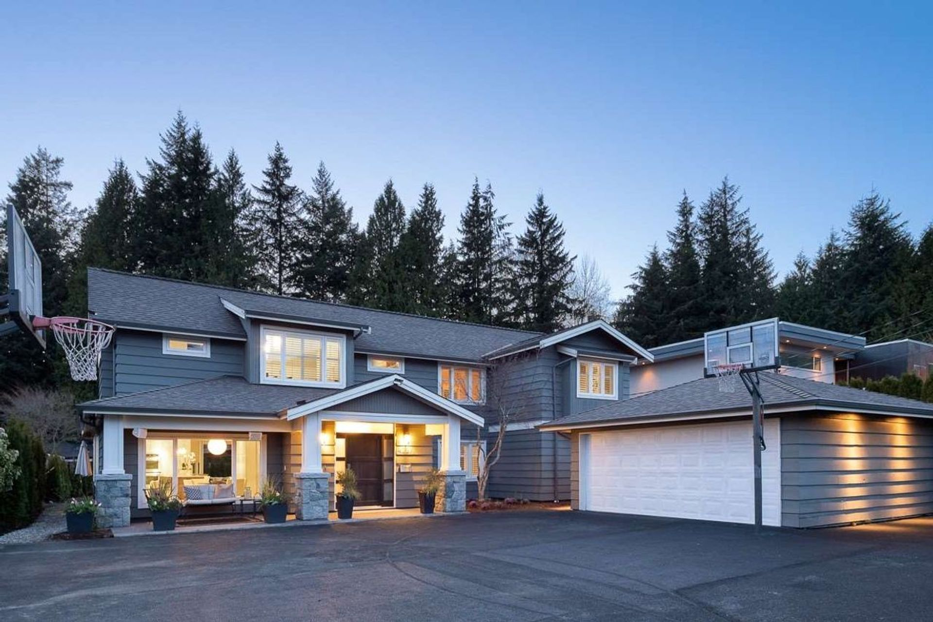 4227 Lions Avenue, Forest Hills NV, North Vancouver