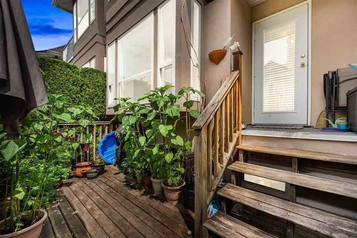 225-e-6th-street-lower-lonsdale-north-vancouver-04 at 102 - 225 E 6th Street, Lower Lonsdale, North Vancouver