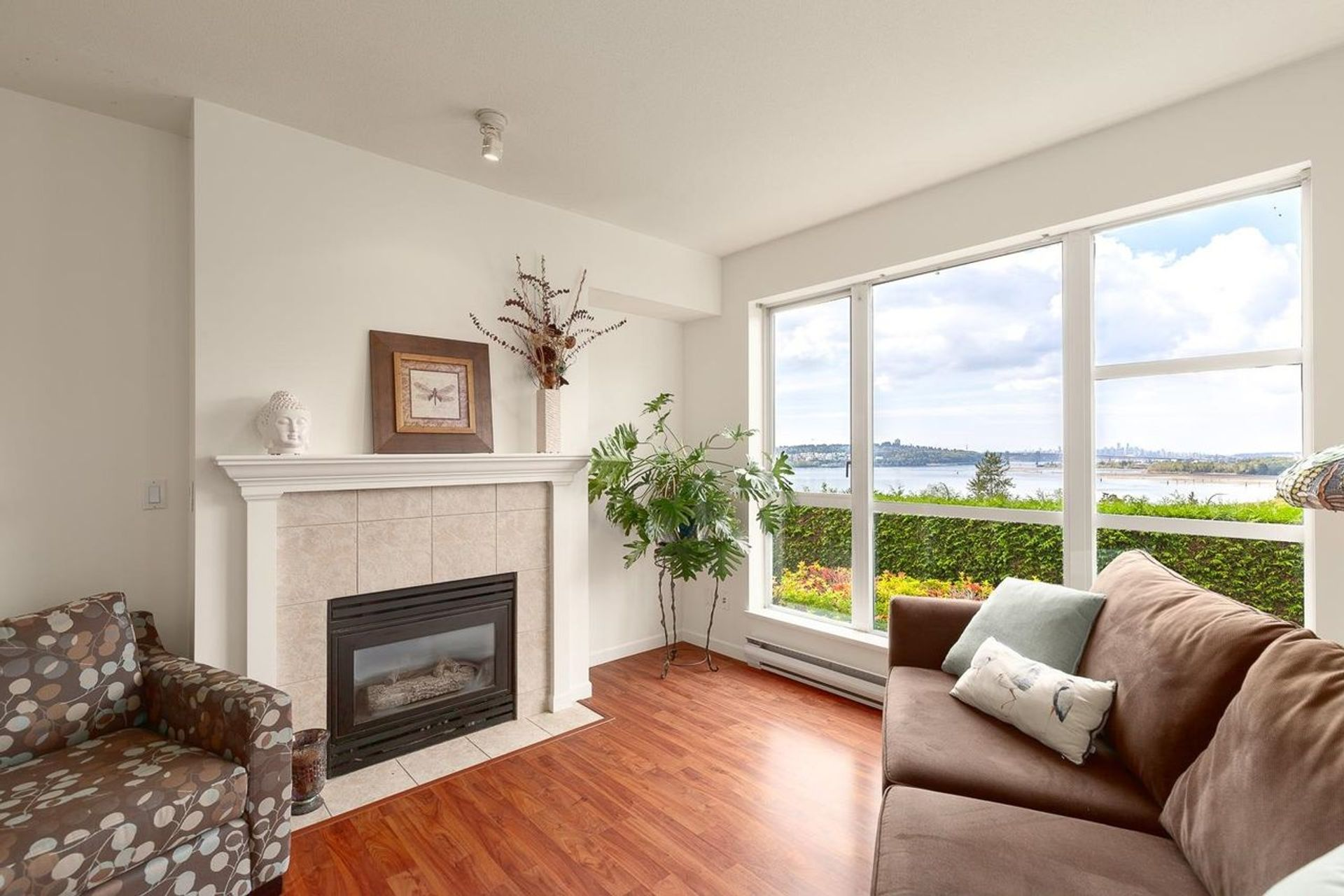 202 - 3608 Deercrest Drive, Roche Point, North Vancouver