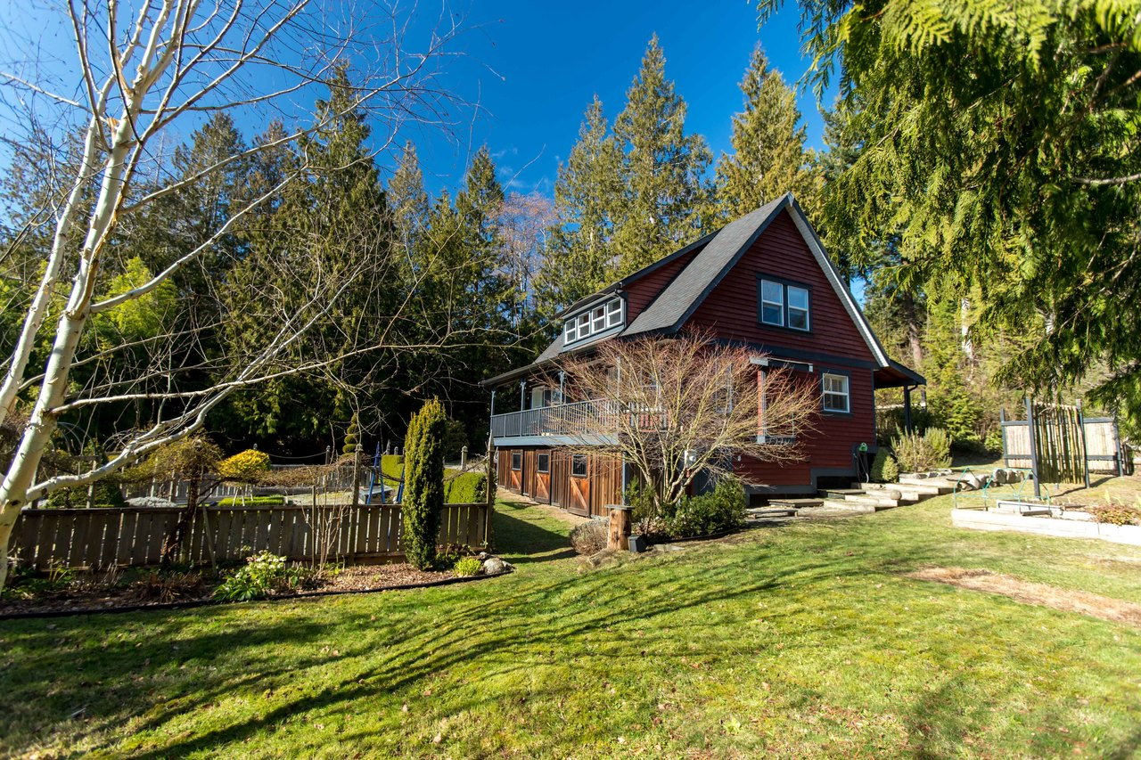 2878 Robinson Road, Roberts Creek, Sunshine Coast