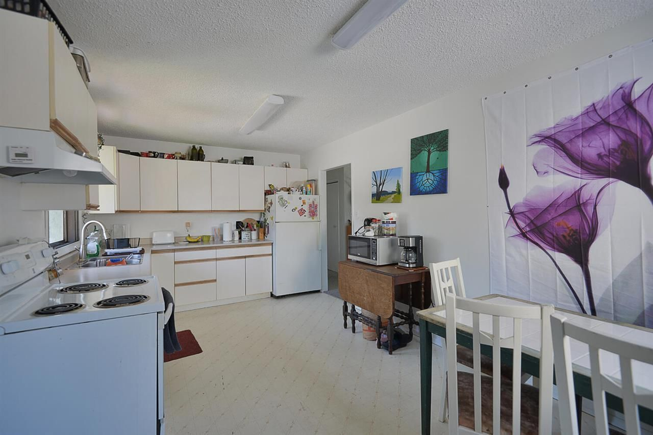 5668-wharf-avenue-sechelt-district-sunshine-coast-09 at 5668 Wharf Avenue, Sechelt District, Sunshine Coast