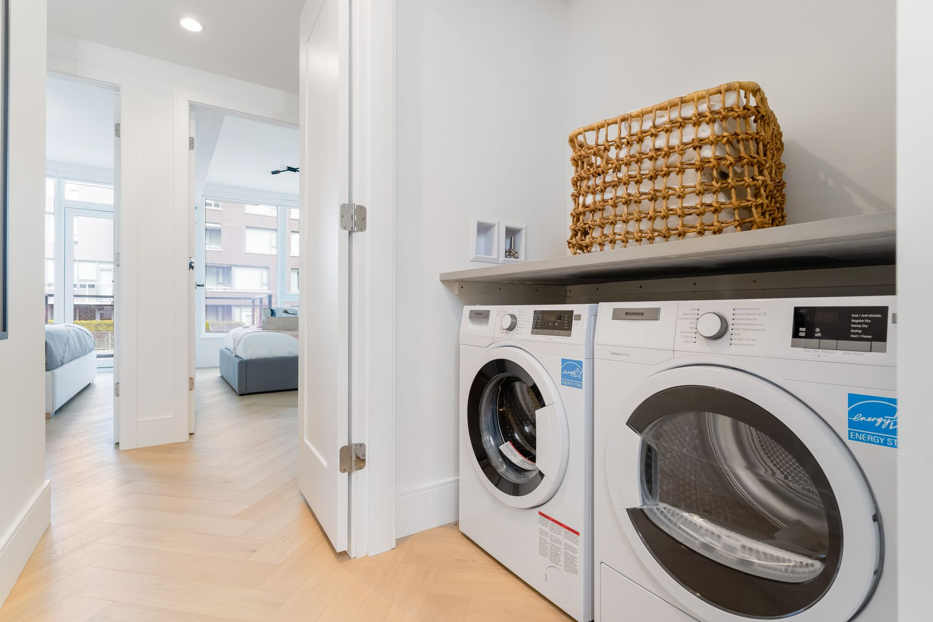 52 at 4621 Cambie Street, Cambie, Vancouver West