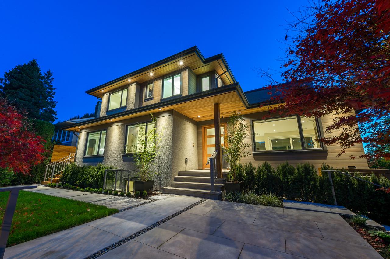 990 Jefferson Avenue, Ambleside, West Vancouver
