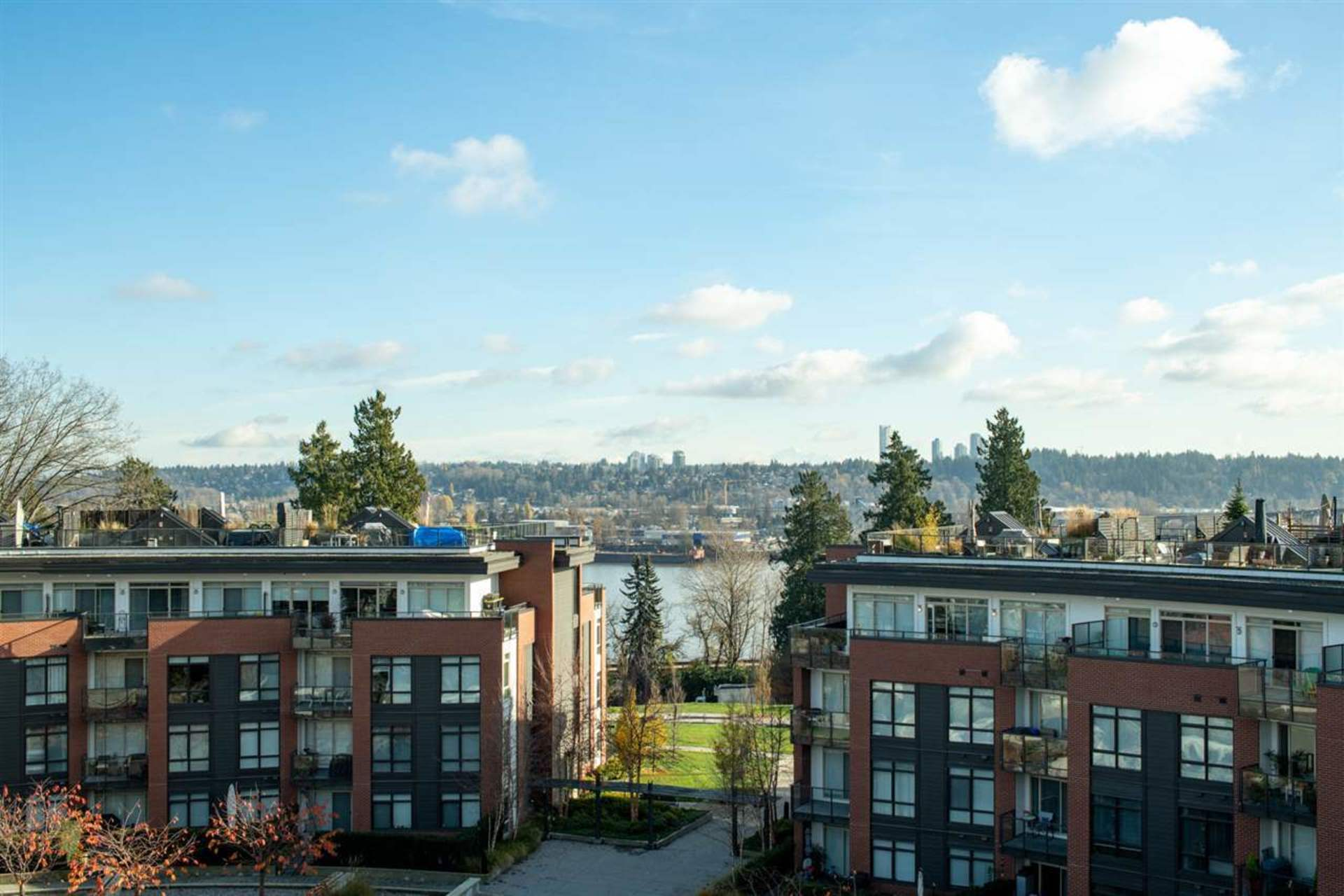404 - 26 E Royal Avenue, Fraserview NW, New Westminster