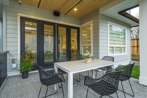 Eterno-South-Surrey-Covered-Patio at 16665 19 Avenue, Grandview Surrey, South Surrey White Rock