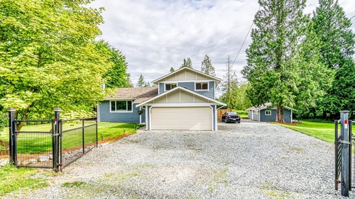 24133 61 Avenue, Salmon River twohomeproperty at 24133 61 Avenue, Salmon River, Langley