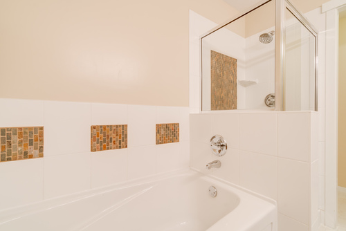 Shower and Tub at 78 - 100 Klahanie Drive, Port Moody Centre, Port Moody
