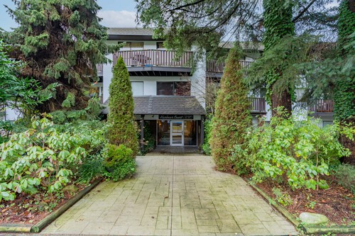 1 at 304 - 175 E 4th Street, Lower Lonsdale, North Vancouver