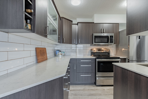 13 at 304 - 175 E 4th Street, Lower Lonsdale, North Vancouver