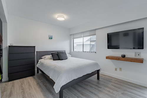 16 at 304 - 175 E 4th Street, Lower Lonsdale, North Vancouver