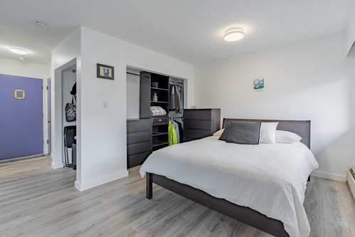 18 at 304 - 175 E 4th Street, Lower Lonsdale, North Vancouver