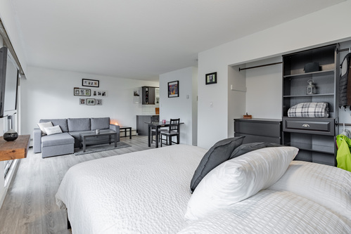 19 at 304 - 175 E 4th Street, Lower Lonsdale, North Vancouver