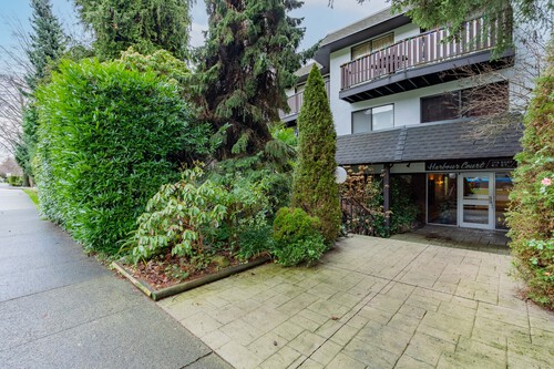 2 at 304 - 175 E 4th Street, Lower Lonsdale, North Vancouver