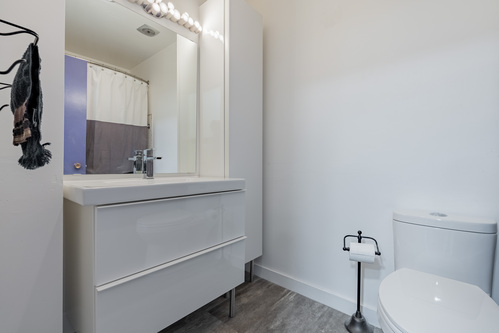25 at 304 - 175 E 4th Street, Lower Lonsdale, North Vancouver