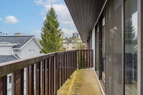 28 at 304 - 175 E 4th Street, Lower Lonsdale, North Vancouver