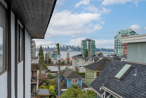 29 at 304 - 175 E 4th Street, Lower Lonsdale, North Vancouver