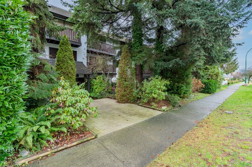 3 at 304 - 175 E 4th Street, Lower Lonsdale, North Vancouver