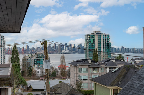 30 at 304 - 175 E 4th Street, Lower Lonsdale, North Vancouver